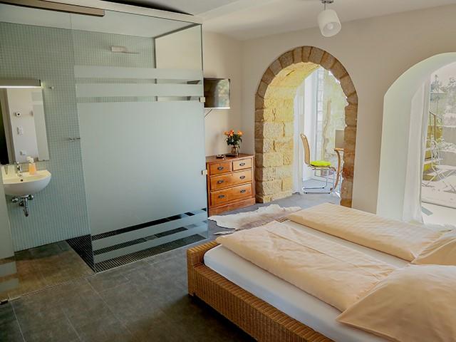 Großes Elb-Terrassenzimmer Schlafen Sitzecke Bad